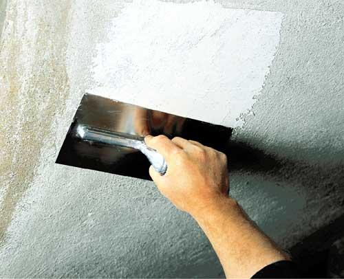 Как прошпаклевать потолок своими руками 77